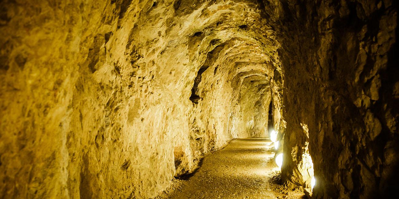 Halls of Resava Cave